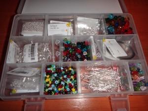 DSC04844 300x224 Kit de confecționare bijuterii handmade