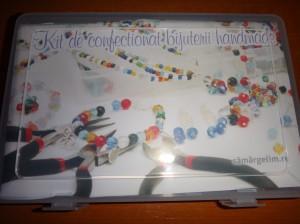 DSC04872 300x224 Kit de confecționare bijuterii handmade
