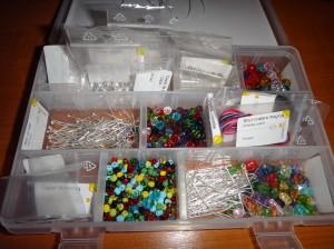 DSC04874 300x224 Kit de confecționare bijuterii handmade