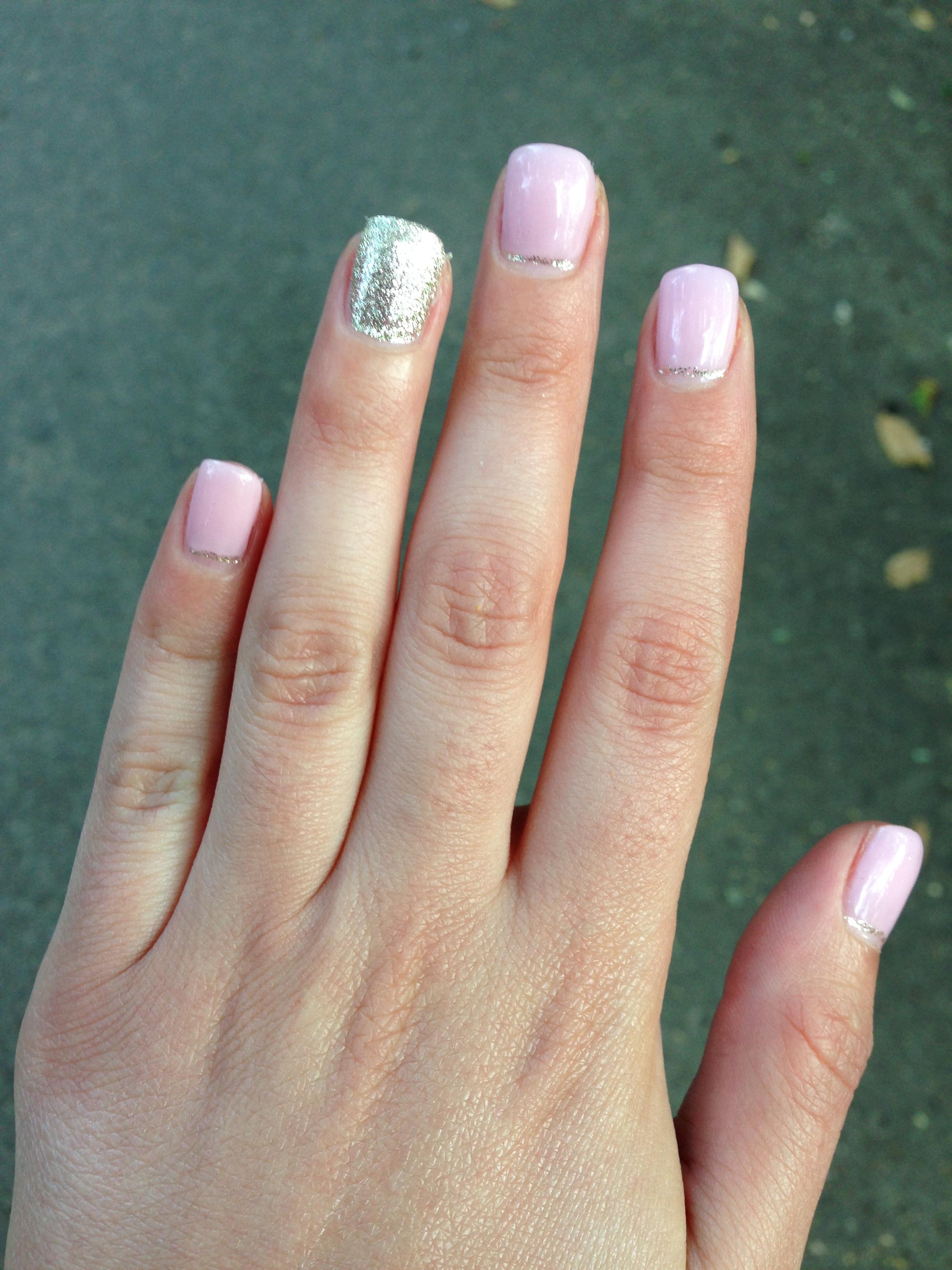 NOTD: Gel termic cu nuanţe de roz - Mihaela Anghel