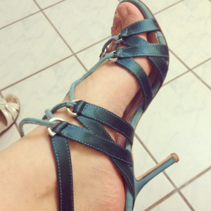 sandale-cu-sireturi